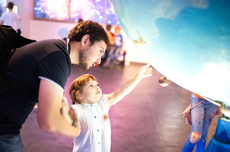 Emmener son enfant au musée
