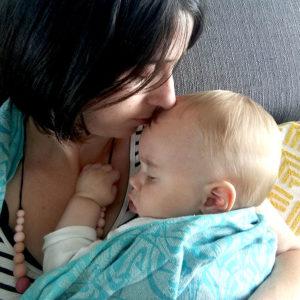 Portage bébé renforcer le lien