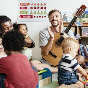 Eveil musical bébé